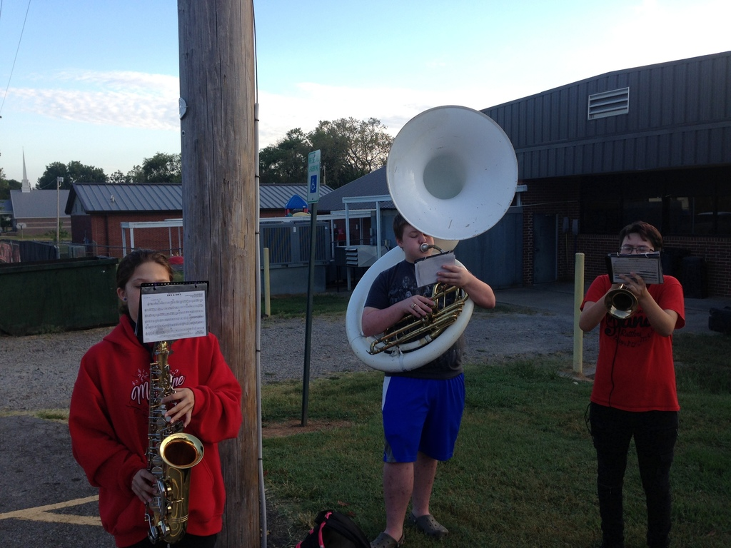 Band greets elementary students