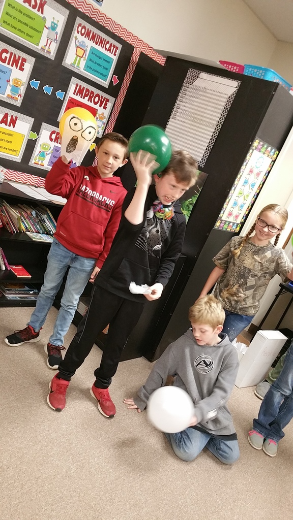 Mrs. Green's 4th-grade class used Static Electricity to make floating ghosts.