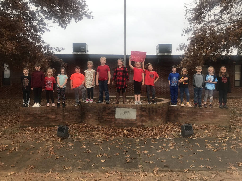 Mrs. Sampley's 2nd grade class won the November attendance challenge with 98.2% attendance for the month. This is the second month in a row for them to win. We also had a 10 day consecutive streak with 100% attendance during that month. Thank you parents for making sure your students are here every day. It truly matters! For this outstanding achievement, they had a popcorn and movie party.